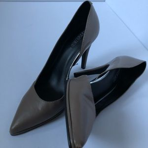 Gray-Brown Kenneth Cole Reaction Heels